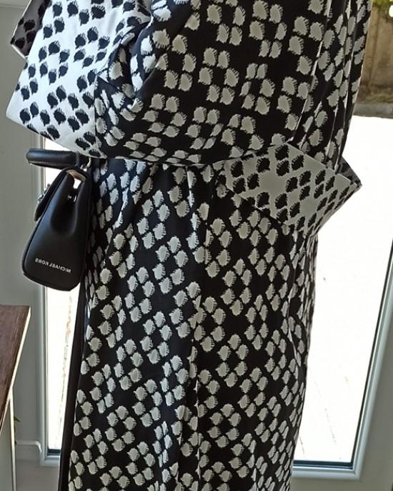 Black White Abaya